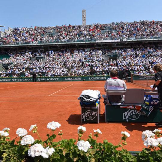 Roland Garros'ta tarihi merkez kort 14.840 seyirci kapasitesine sahip