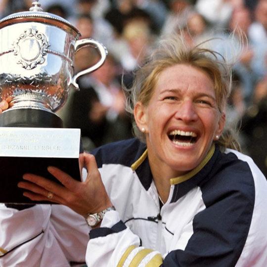 Roland Garros 1999, Alman tenisçi Steffi Graf, bu turnuvadaki son şampiyonluk sevincini işte böyle yaşıyor