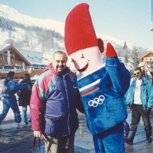 1992 Albertville Olimpiyat Oyunları (FRA) Oyunların maskotu Magique ile