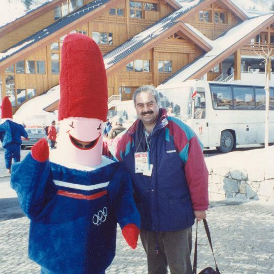 1992 Albertville Olimpiyat Oyunları (FRA) Oyunların maskotu Magique'den  bir kez daha merhaba