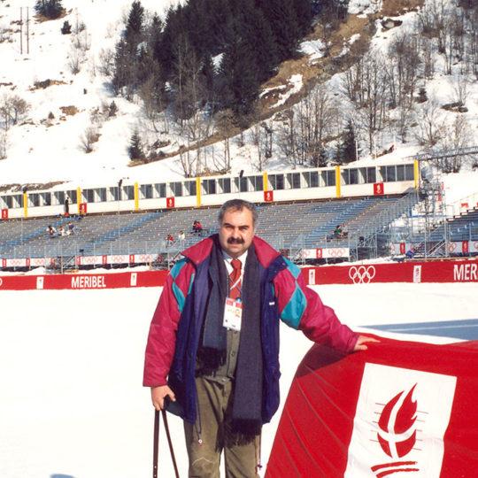 1992 Albertville Olimpiyat Oyunları (FRA) Bayanlar slalom, bitiş noktası, tribünler ve TV anlatım kabinleri