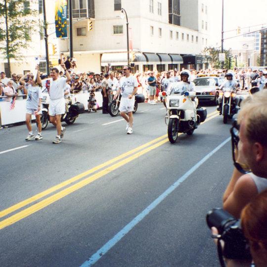 1996 Atlanta Olimpiyat Oyunları (ABD) Meşale kentte dolaştırılıyor