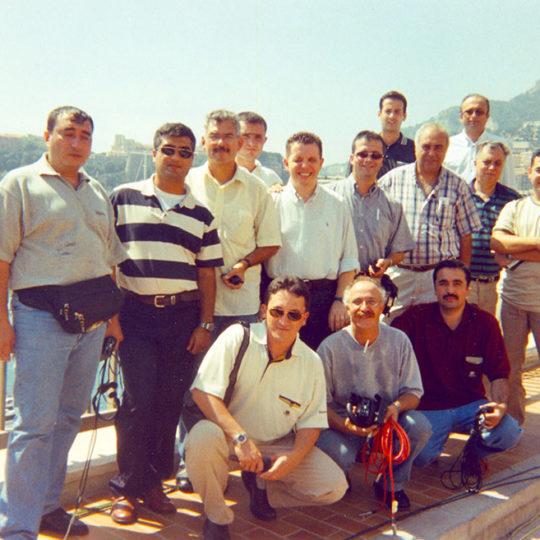 2000 Monako, Süper Kupa. TRT ekibi maç öncesi röportaj hazırlığında