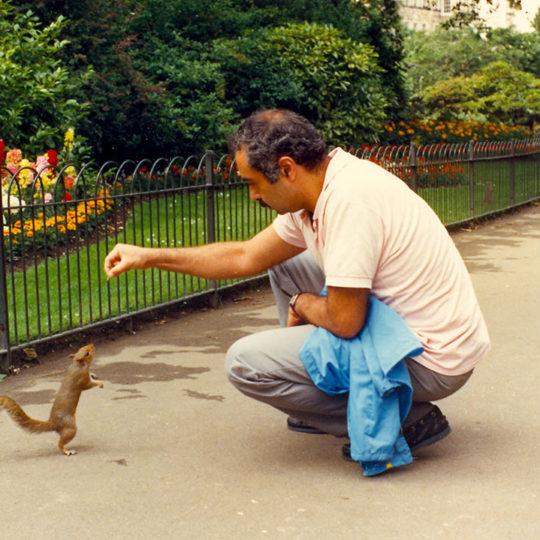 1986 Londra – Hyde Park'ta sincapla arkadaşlık