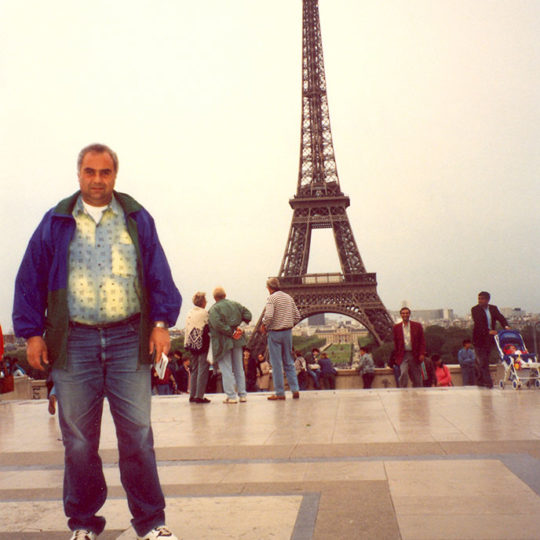 1994 Paris'in simgesi Eiffel Kulesi