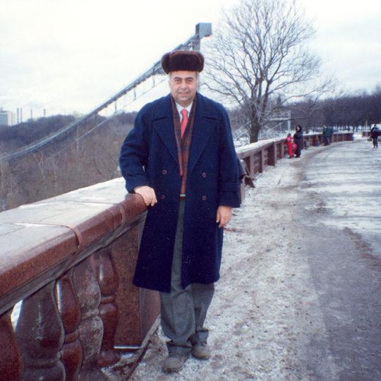 1995 Moskova kayakla atlama kulesi önünde