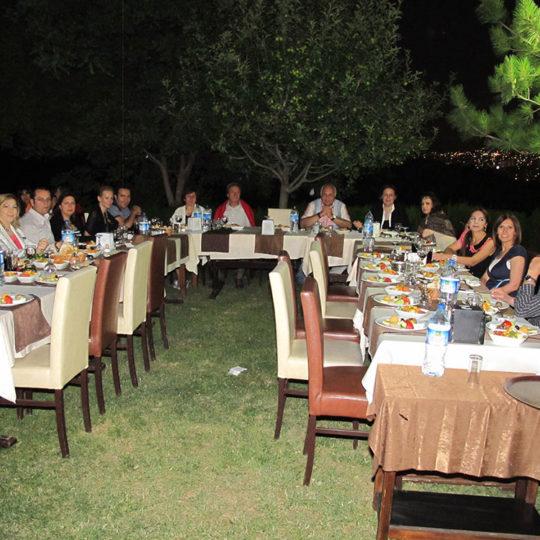 2011 Emeklilik yemeğime katılan dostlarla Ankara Binicilik Kulubü