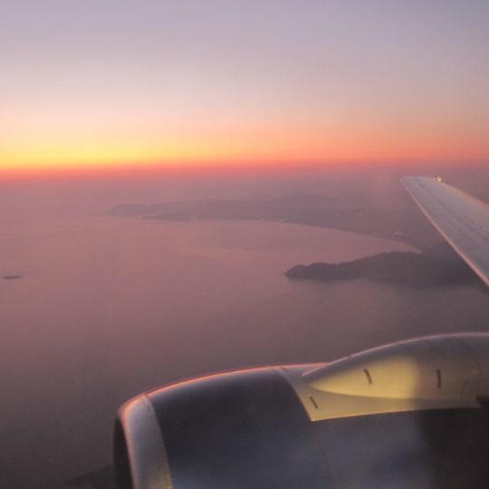 Gün doğarken Dalaman havaalanına yaklaşma