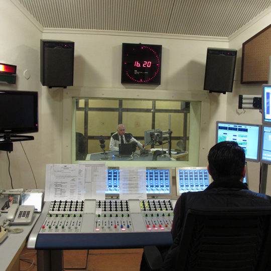 Maç naklen yayınları, radyo ana kumanda