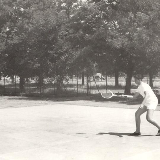 1960'lı yılların başı tenis topuna ilk dokunuşlar