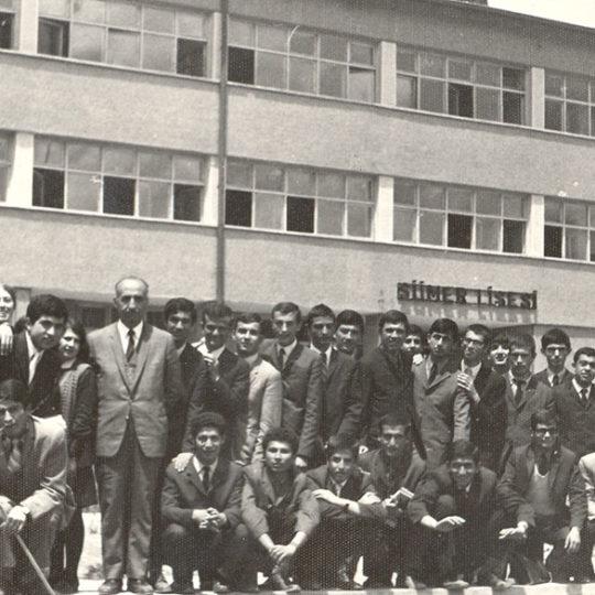 Kayseri Sümer Lisesi, okul müdürü Osman Sargın ile son sınıf hatırası